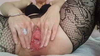 aprilis1 spreading fisting gaping and showing off her huge pussy