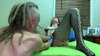 How Brunette Justsomehoee Double pussy fisted by dreadlock guy